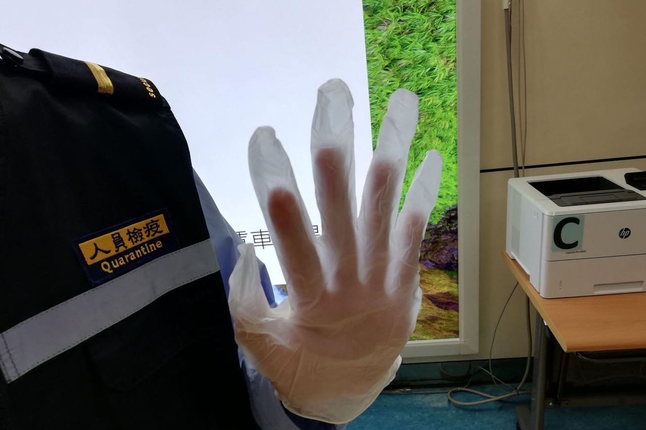 邊境防疫窘》檢疫助理外包 口罩手套限量未打流感疫苗