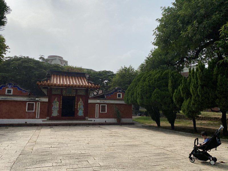 台南五妃廟是全台第一個訂定保存計畫的古蹟,未來附近建築樣式有更細緻規畫。記者修瑞瑩/攝影