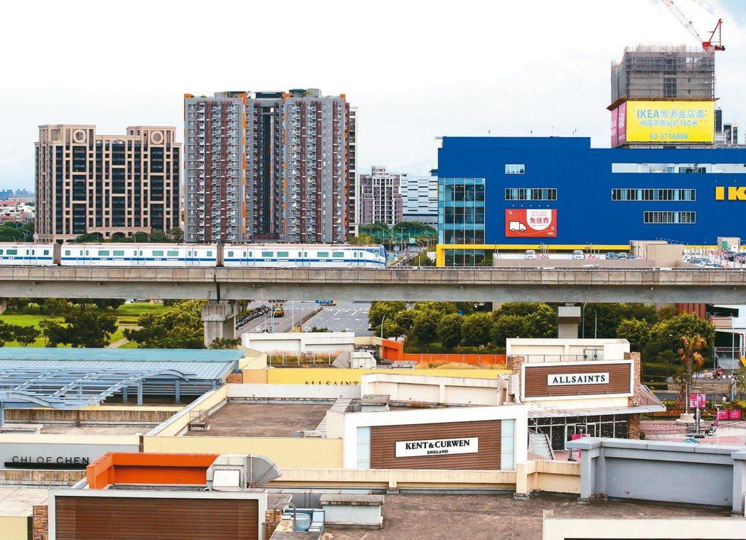 桃園青埔交通便利,在台商回流的趨勢下,銀行看好迅速發展潛力,當地沒有分行的台企銀...