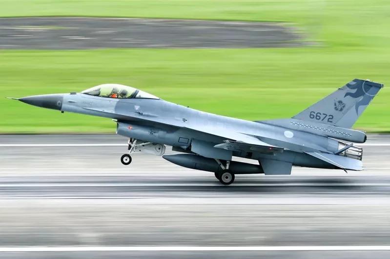 空軍26作戰隊士官長輕生不治 空軍強調與戰機失聯無關