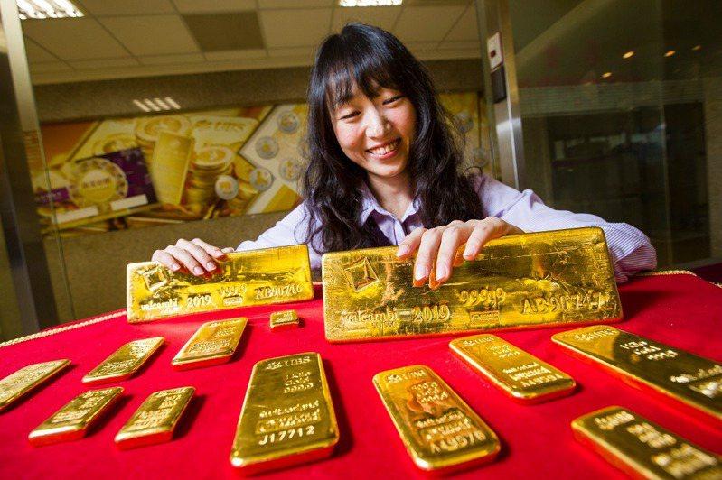 台銀將在2020台北金融博覽會上,首度對一般民眾展示價值2000萬、重達12.5公斤的999.9純金金塊。(攝影:唐紹航)