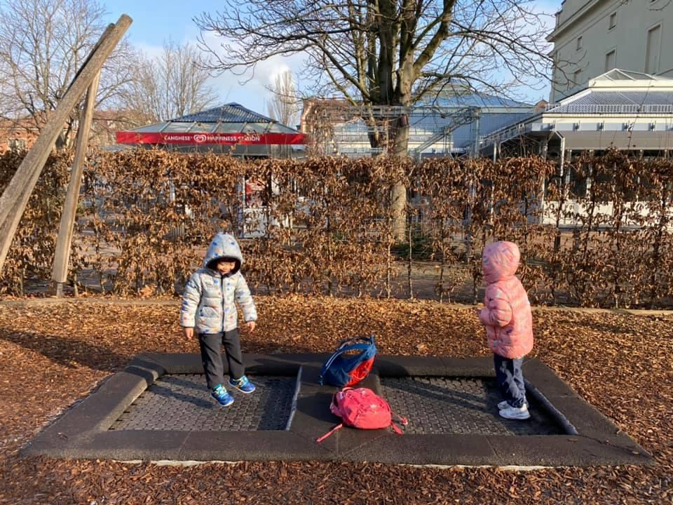 袋鼠的能力是「彈跳」,每個孩子都在彈跳床盡情地跳。 圖/作者提供