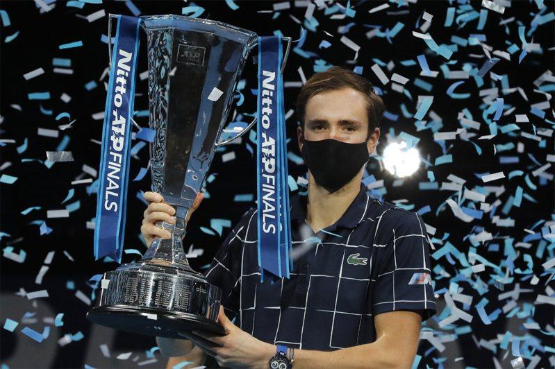 俄羅斯男網選手梅迪維夫,贏得ATP世界巡迴年終賽冠軍。美聯社