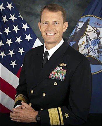 美軍印太司令部的「J2」少將情報處長史達曼(Michael William Studeman)。圖/截自美國海軍官網