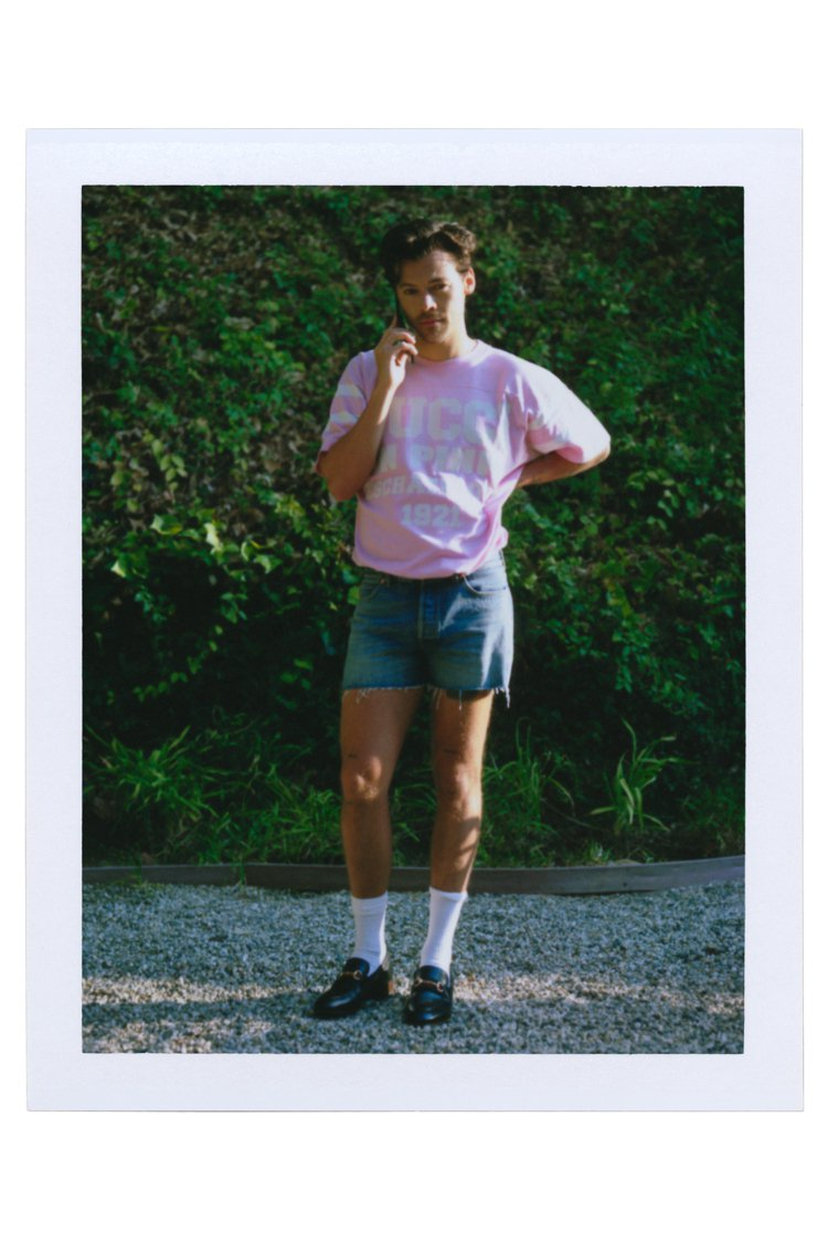 Harry Styles出現在第三集「郵局」中,探討藝術本質。圖/Gucci提供