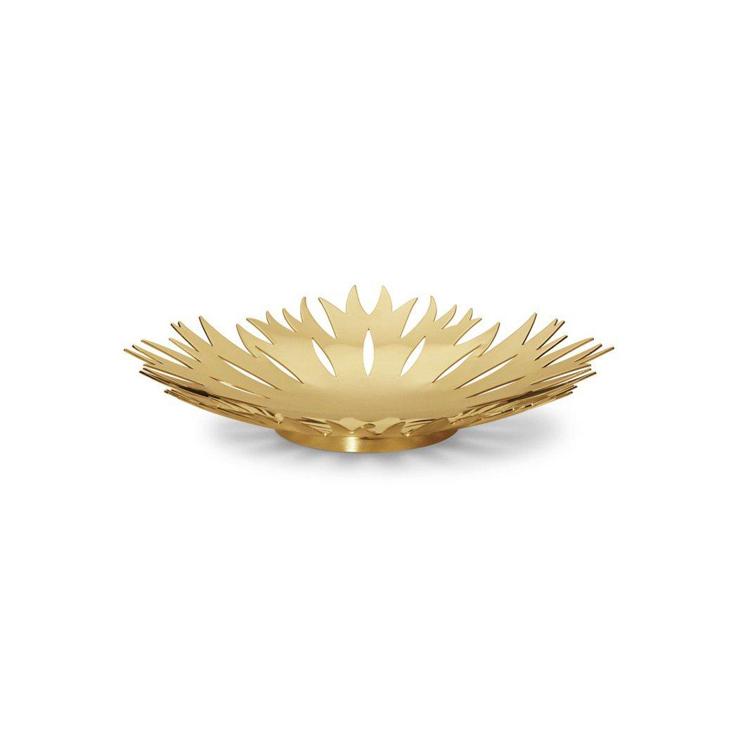 喬治傑生2020金色鏤空雪花置物皿中型款,2,300元。圖/喬治傑生提供