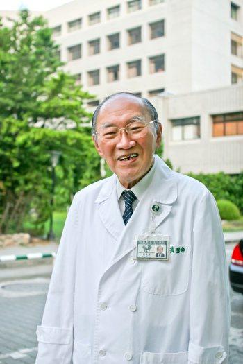 台灣烏腳病之父、曾獲「醫療奉獻獎」的花蓮慈濟醫院榮譽院長曾文賓,昨天傍晚於家中安...