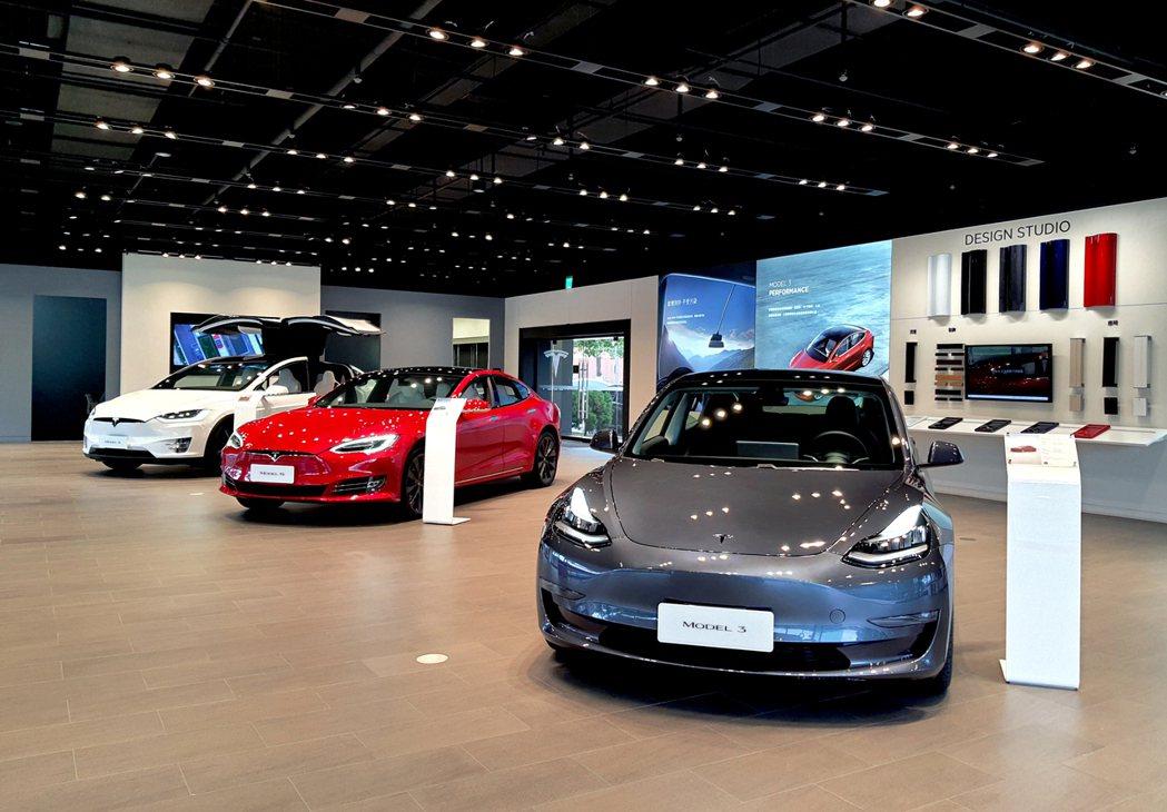 全新配置的Model 3全台亮相(Tesla提供)