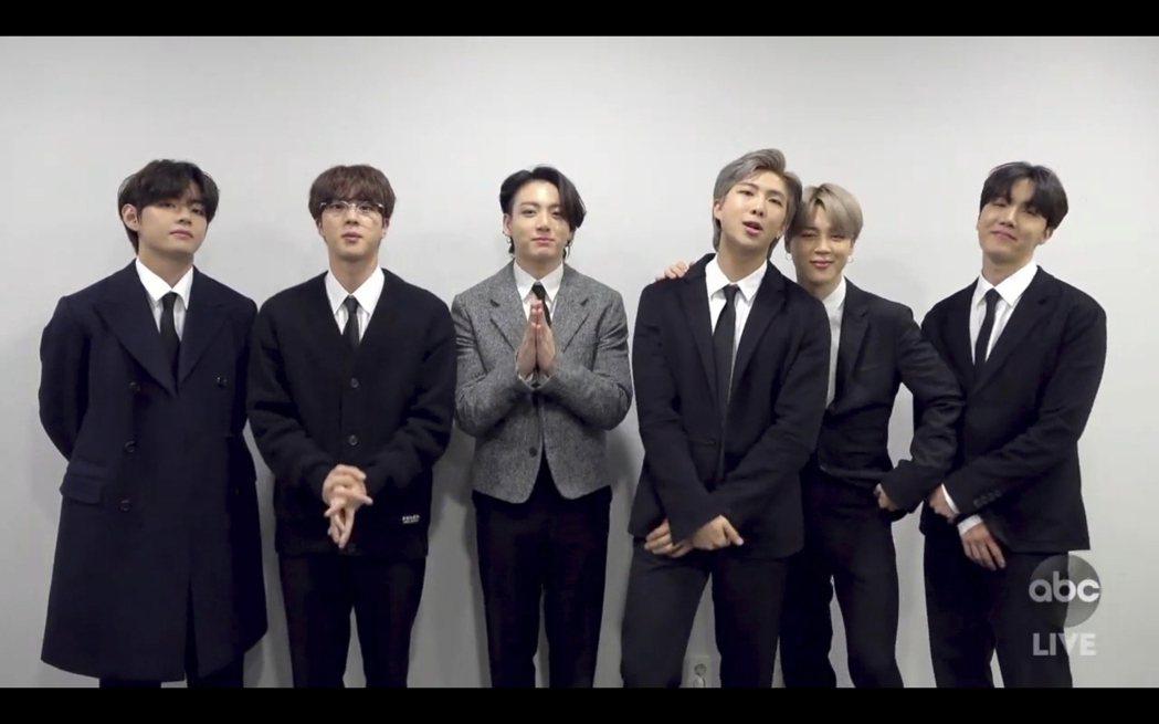 防彈少年團BTS在本屆全美音樂獎拿下兩座大獎。(美聯社)