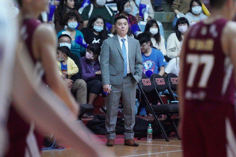 健行科大教練劉孟竹苦惱傷兵問題。圖/大專體育總會提供