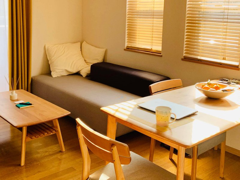 雞排妹房間整齊的像飯店,令網友驚訝。圖擷自雞排妹iIi鄭家純