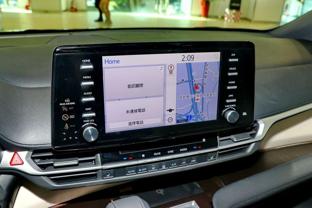 中控台獨立的9吋娛樂顯示幕(支援Apple CarPlay/Android Au...