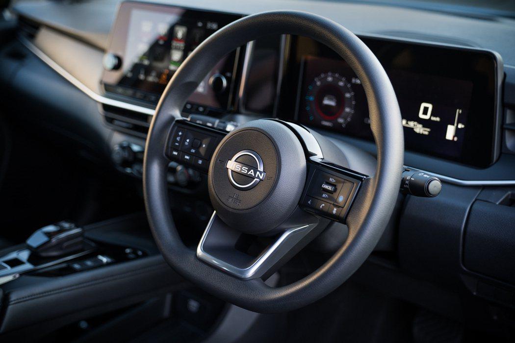 與Z Proto跑車相同設計的新世代方向盤。 圖/Nissan提供