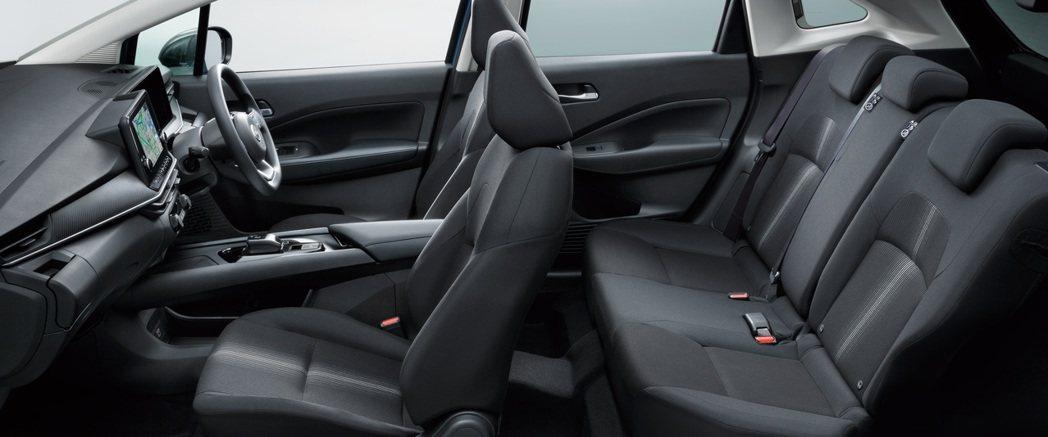 全新Note通過大幅度地減少佔用空間的內裝組件,創造出寬敞的車室空間。 圖/Ni...