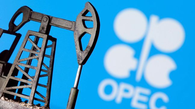 在OPEC下月將決定減產協定的下一步之際,阿拉伯聯合大公國的官員私下質疑參與減產...