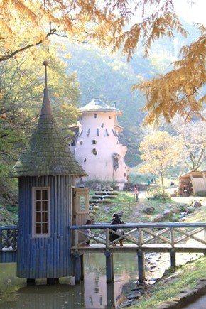 曙光兒童森林公園是以北歐著名的童書作家朵貝·楊笙的幻想世界設計而成,大人小孩都能...