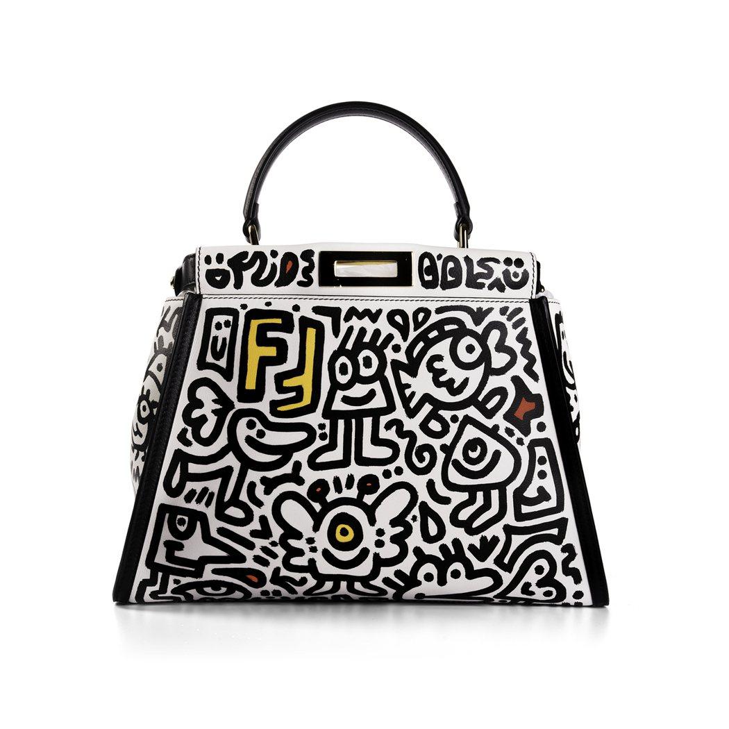 FENDI X Mr.Doodle聯名系列Peekaboo包款。羅芙奧/提供