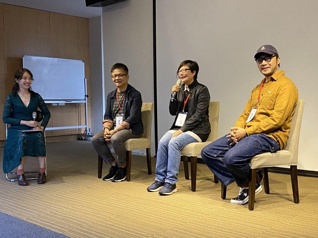 首映會與談的導演簡學彬(右起)、隋淑芬導演、賴豐奇導演。 東南科大/提供