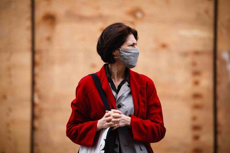秋冬疫情再起,封城措施已從歐洲蔓延至北美洲。 (AFP)