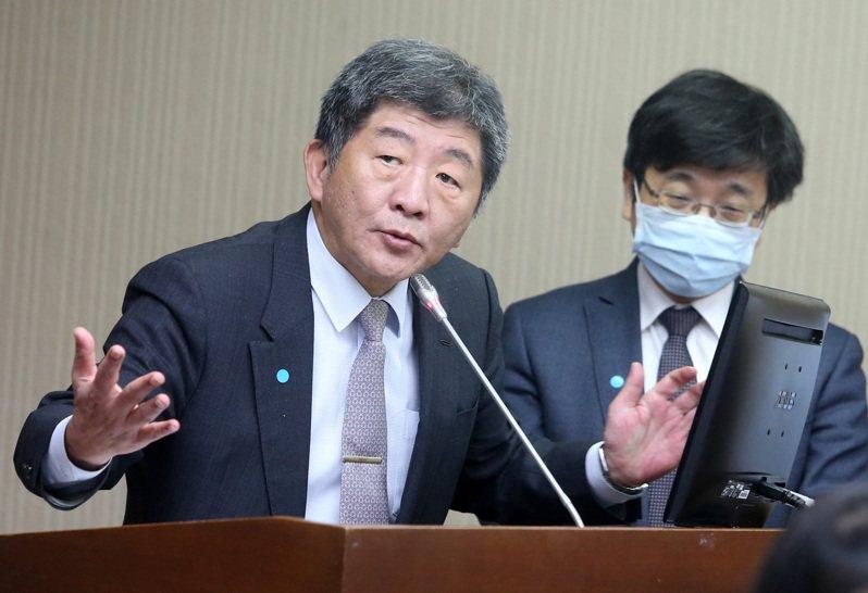 衛福部長陳時中(左)昨天在立法院表示,「美豬不等於是萊豬、萊豬也不等於是毒豬」。記者胡經周/攝影
