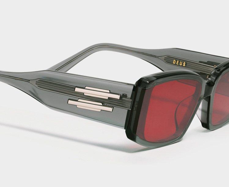 Gentle Monster DEUS太陽眼鏡10,220元。圖/PUYI提供