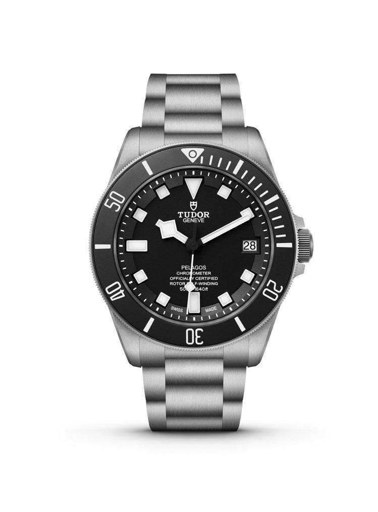 TUDOR Pelagos腕表,鈦合金、42毫米、自動上鍊機芯、時間顯示、500...