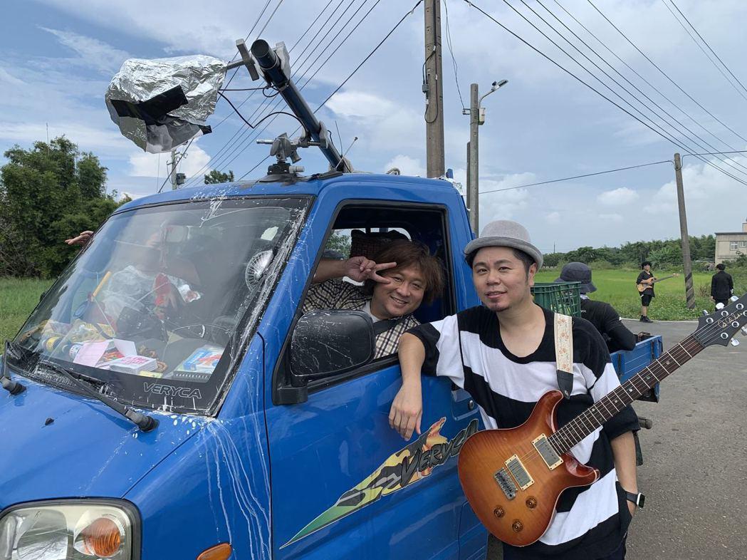 黃子軒(右)大讚納豆是MV男主角的不二人選。圖/獨一無二娛樂文化提供
