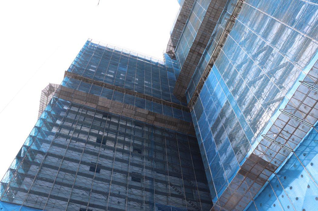 華南自辦都更案預計明年九月完工。記者吳亮賢/攝影