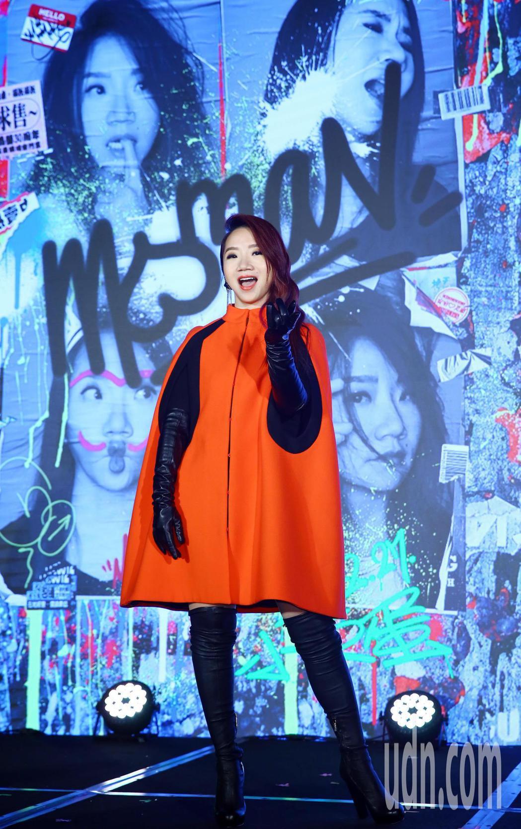 藝人陶晶瑩下午召開記者會,宣布明年二月攻蛋,舉辦首場屬於自己的萬人演唱會。記者杜...