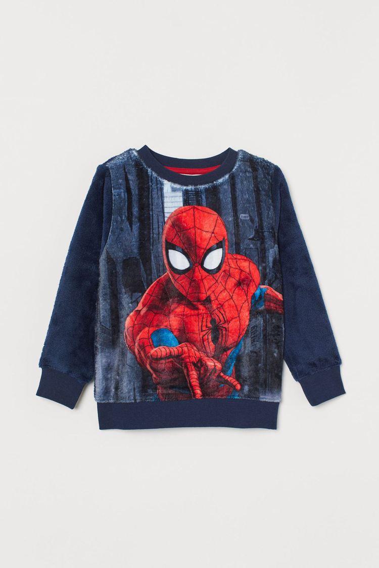 H&M與漫威聯名系列蜘蛛人印花上衣 599元。圖/H&M提供