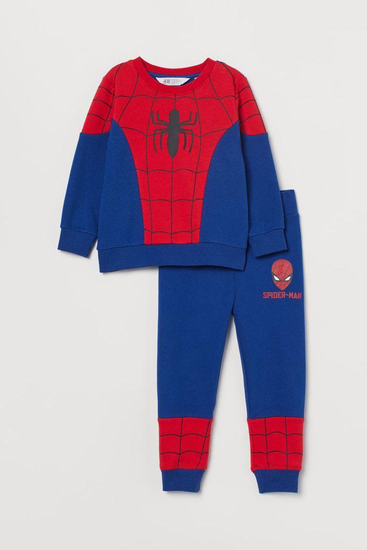 H&M與漫威聯名系列蜘蛛人套裝999元。圖/H&M提供
