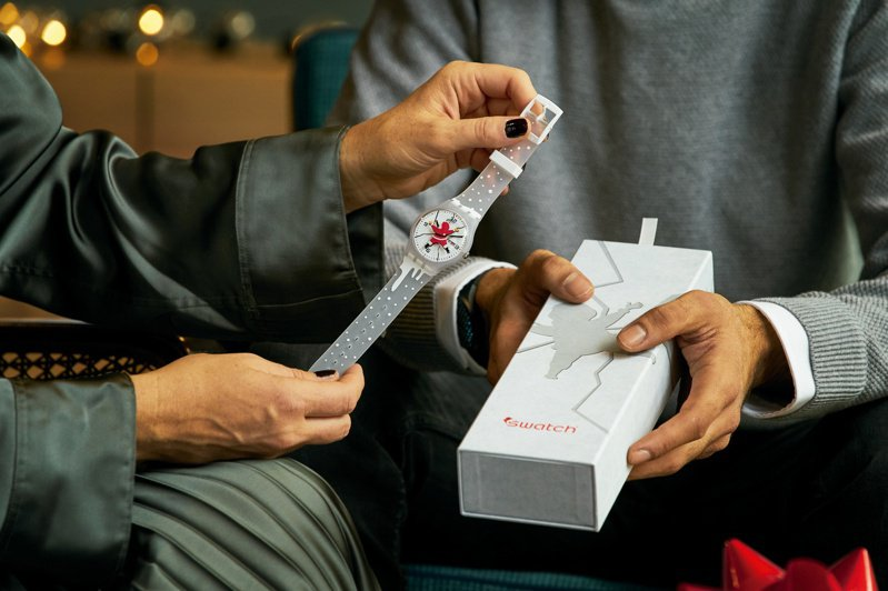 SWATCH HoHoOuch 2020耶誕特別版限量腕表3,800元。圖/SWATCH提供