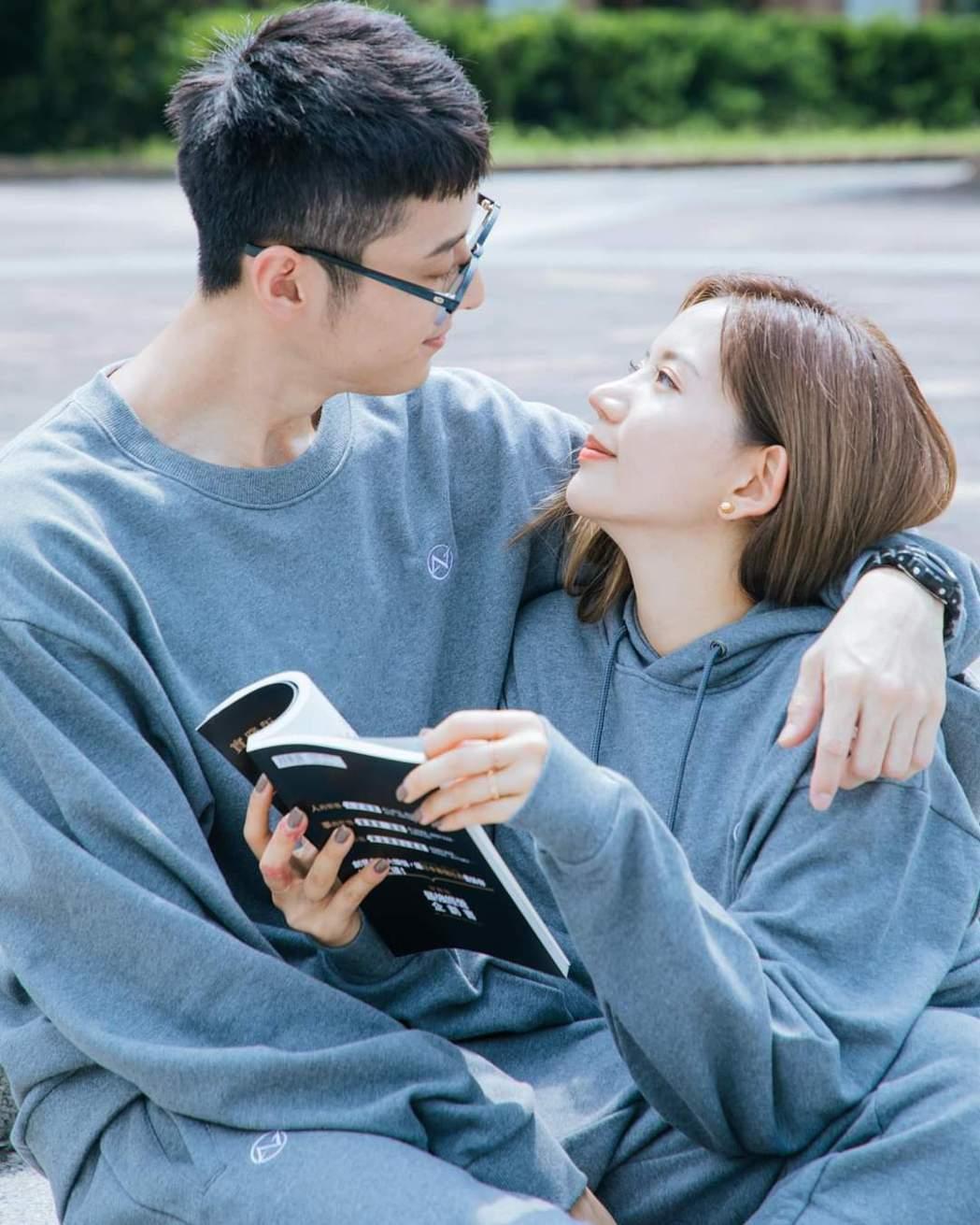 陳艾琳(左)老公顏庭笙因持毒登上新聞版面。圖/摘自臉書