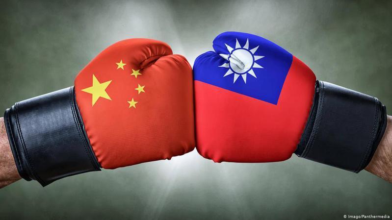 台灣總統蔡英文周三 (11月25日)回應中天新聞台不予換照風波。她強調強調,「台灣是民主法治的國家」,總統並不會介入獨立機關的審查。