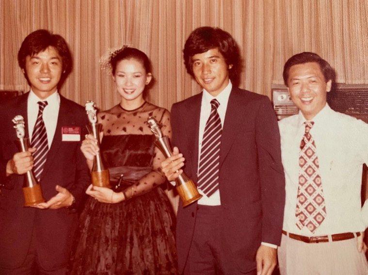 1978年,周丹薇(左2)以《花落水流紅》一片,贏得第25屆亞洲影展悲劇片最佳女...