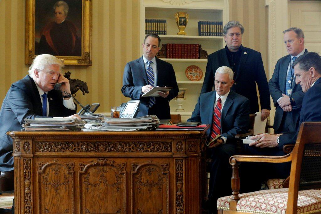 班農在2016年操盤協助川普首度競選美國總統的選戰,並一度進入白宮獻策逾半年之久。 圖/路透社