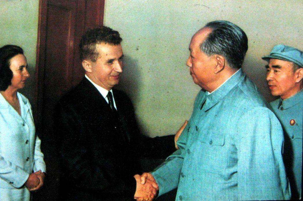 1971年6月3日,林彪陪毛澤東接見希塞奧古夫婦,這也是林彪生前最後一次公開行程...