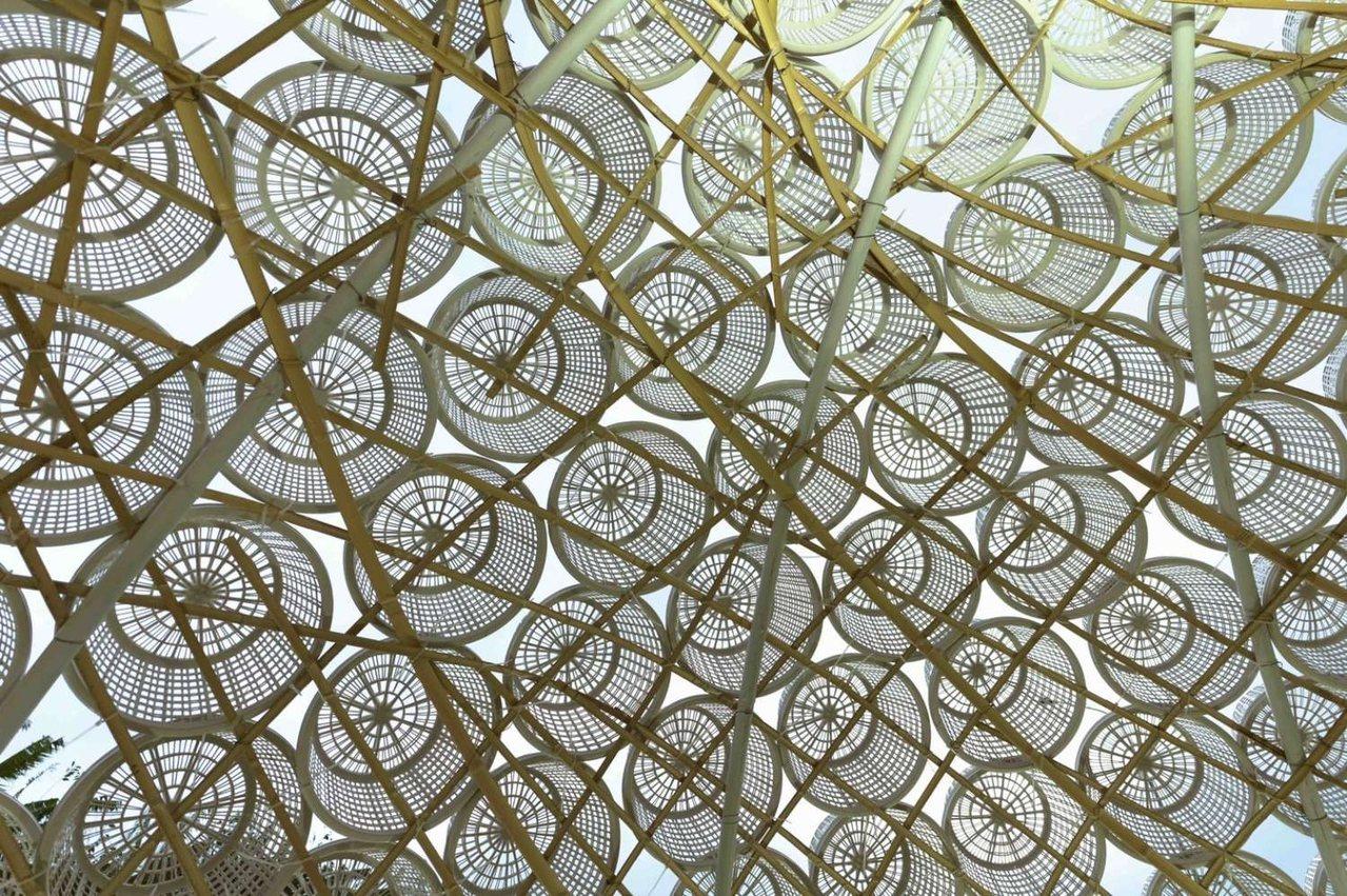 以96個「古錐籃」堆疊,打造成香山盛產的「肉螺」。 圖/新竹市政府官網