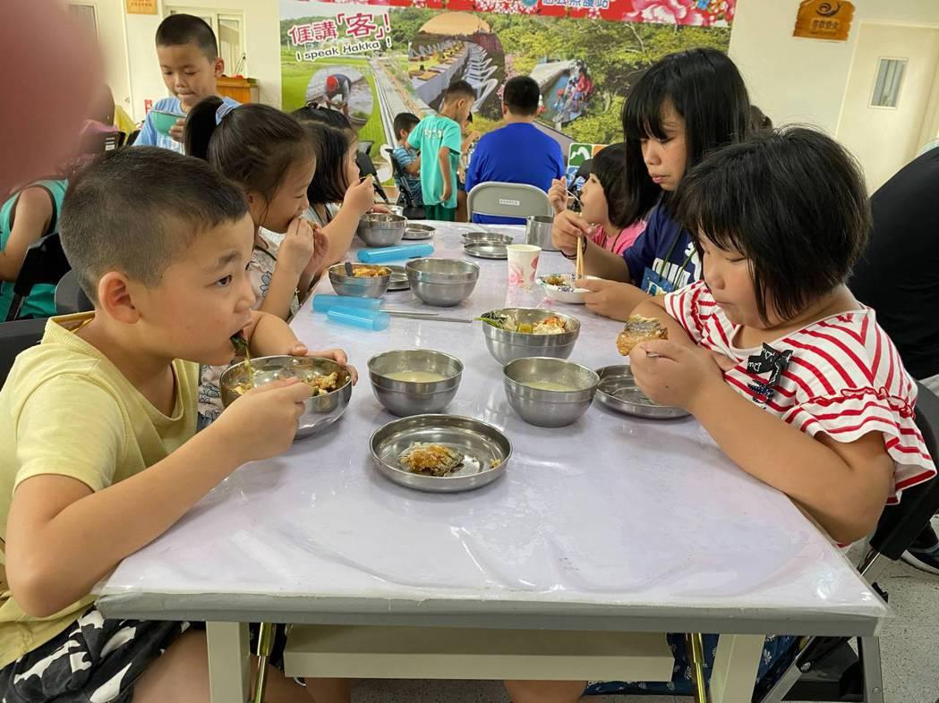 雖然在疫情期間在企業的捐助食材不見減少。中華基督教救助協會/提供