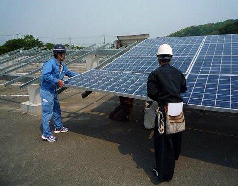 太陽人全民電廠於日本的地上型電廠施工狀況。