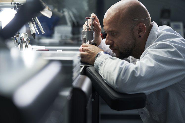 CRMT1機芯是RICHARD MILLE的第八枚品牌自製機芯,展現品牌銳意精進...