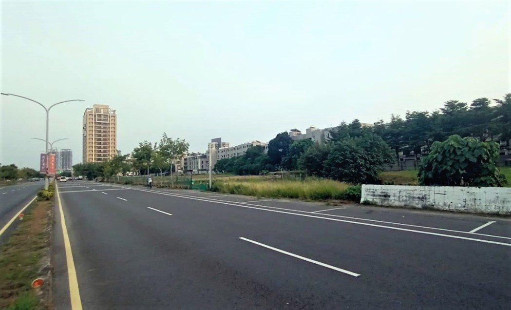 台南善化建國路與裕民街1705坪住宅用土地,今年10月以總價約4.3億元成交創新...