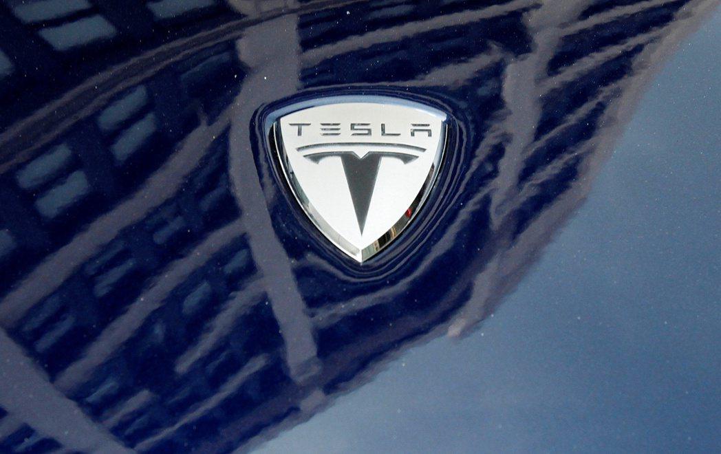 馬斯克表示,正在研發續航力可達1,000公里的電動車電池。路透