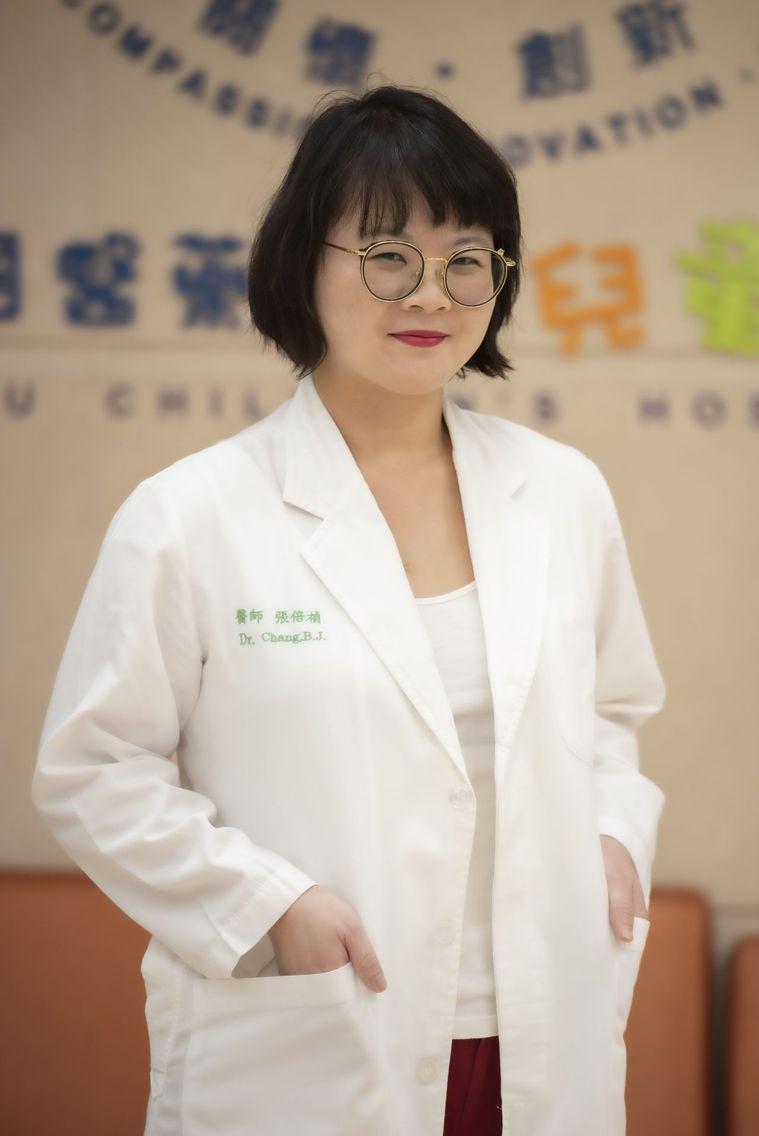 醫師張倍禎建議家長,孩童若想要搭配服用Omega-3脂肪酸,需先與精神科醫師討論...