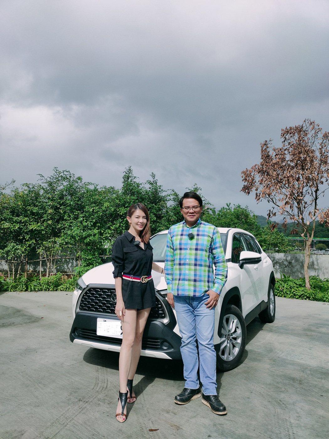 林美貞(左)駕駛技術被網路節目相中,獲邀介紹汽車新知。圖/艾迪昇傳播提供