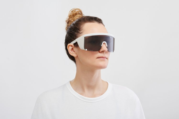 MYKITA則與醫護人員共同開發出MYLON GUARD ONE多功能防護眼鏡。...