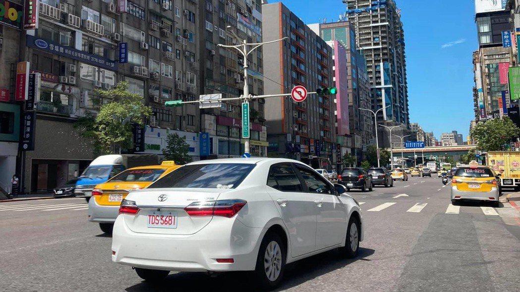 面對台灣街頭越來越多的超跑,車主自保,花小錢省大錢最好的方法是投保超額責任保險。...