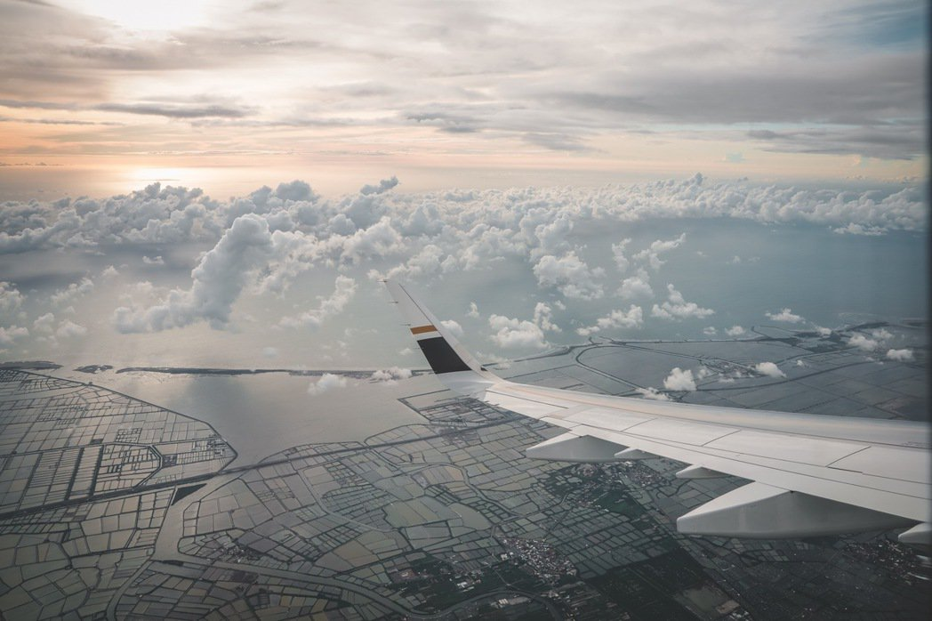星宇航空七夕微旅行航班飛經台南上空,看到美麗的景緻。(星宇提供)