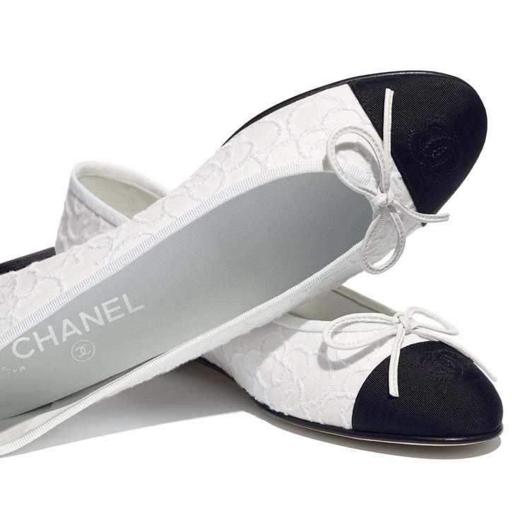 斜紋軟呢與羅緞芭蕾舞鞋,24,500元。圖/摘自香奈兒官網