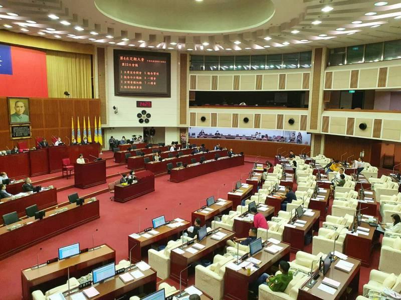 台北市議會下午討論台北市房屋稅徵收自治條例修正案。記者楊正海/攝影